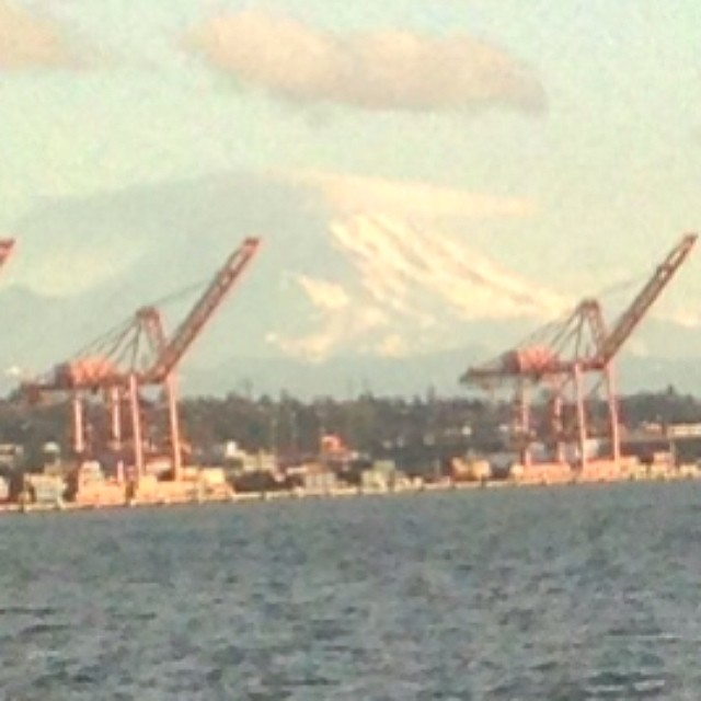 Meanwhile, in Seattle, it's clear and sunny...